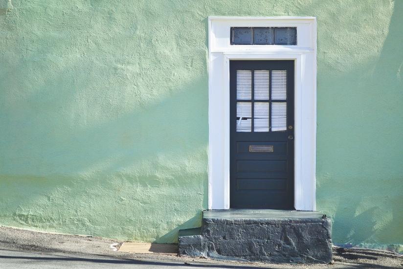 antique-residence-door-picjumbo-com