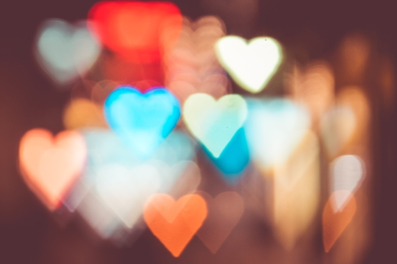 night-city-lights-abstract-heart-bokeh-trick-picjumbo-com